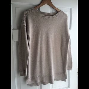 Women's Old Navy Crew Cut Sweater - Medium